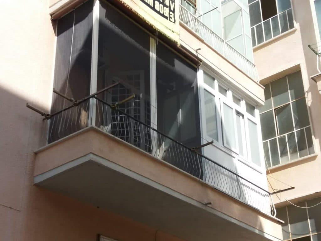 zanzariere su balconi