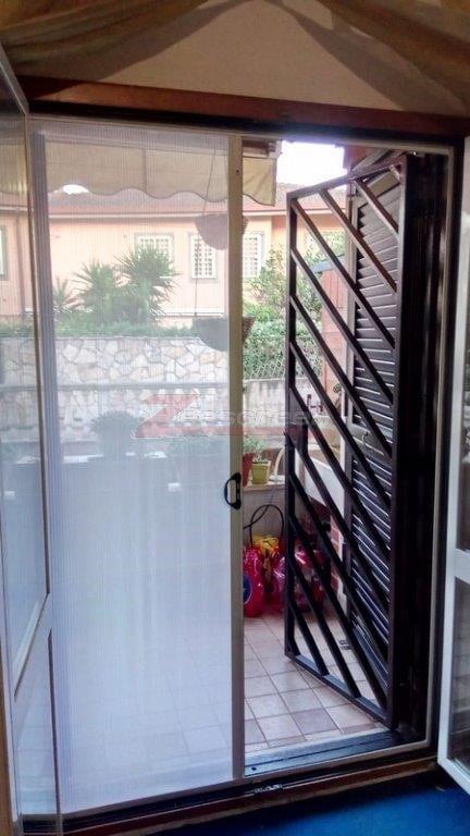 zanzariere per porta finestra