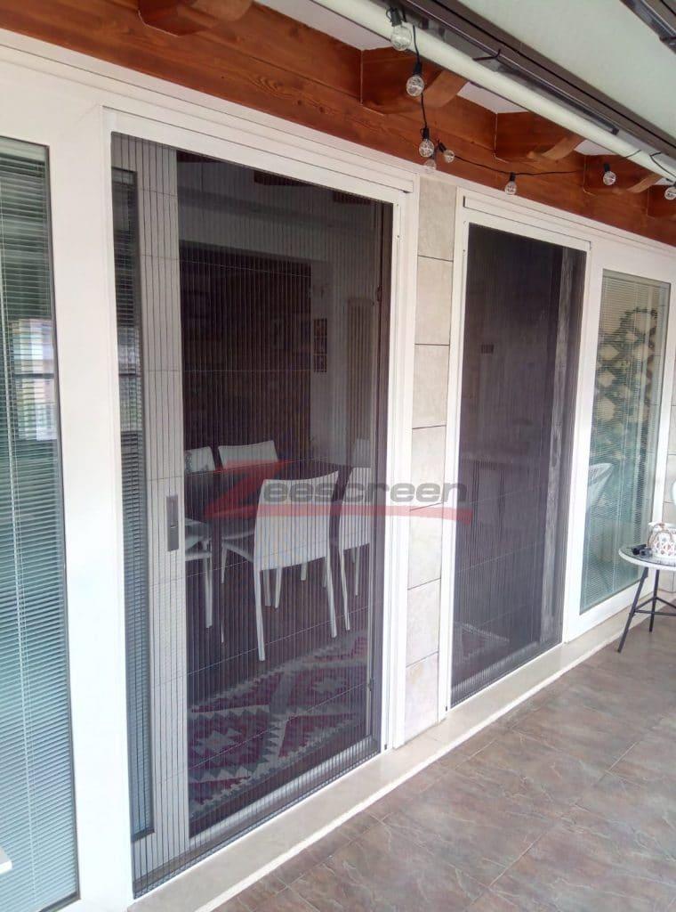 Zanzariere su misura per porta e finestra
